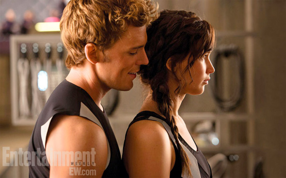 The-Hunger-Games-Catching-Fire-Katniss-and-Finnick